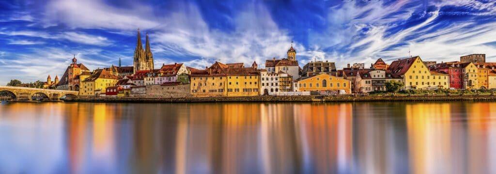 Panorama billede over Donau floden i Budapest i Ungarn