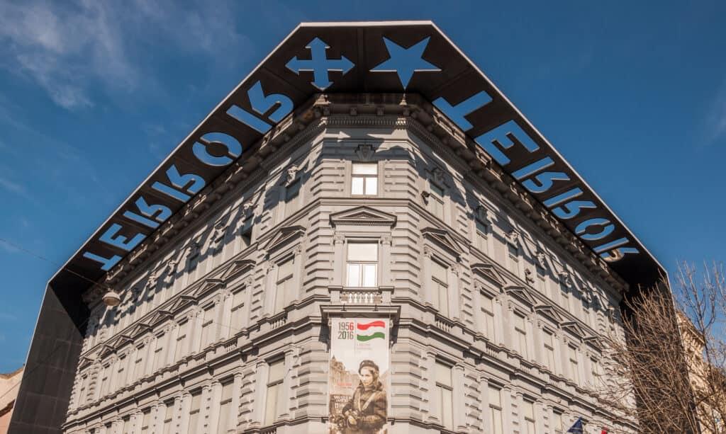 terror haza house of terro er det kendte terrormuseum i budapest