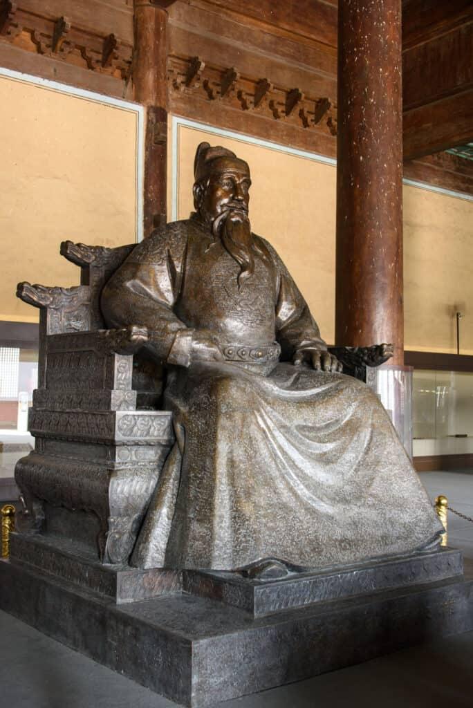 chang ling graven i fra ming dynastiet kan ses i beijing