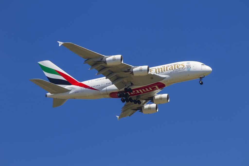 flyvetur til dubai med emirates airbus 380 kan være den rene luksus