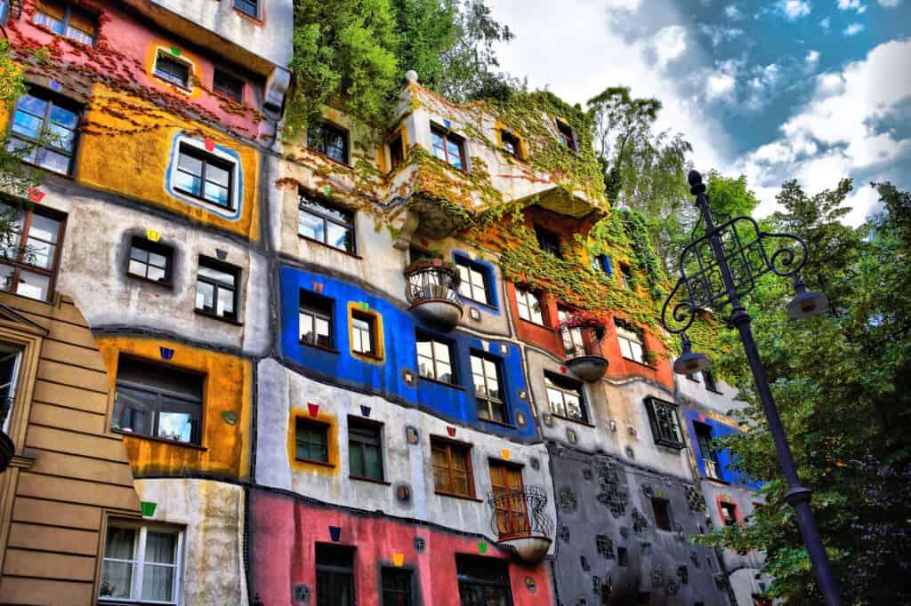 hundertwasserhaus i wien er et arkitektonisk fænomen