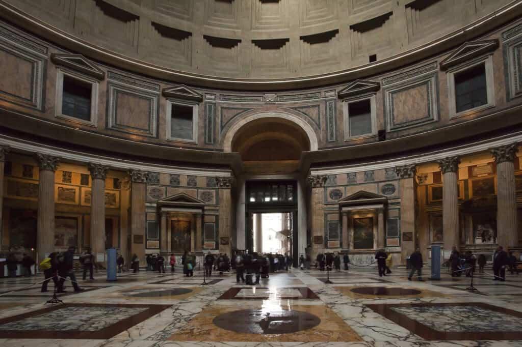 pantheon i rom set indefra her er fx rafael begravet