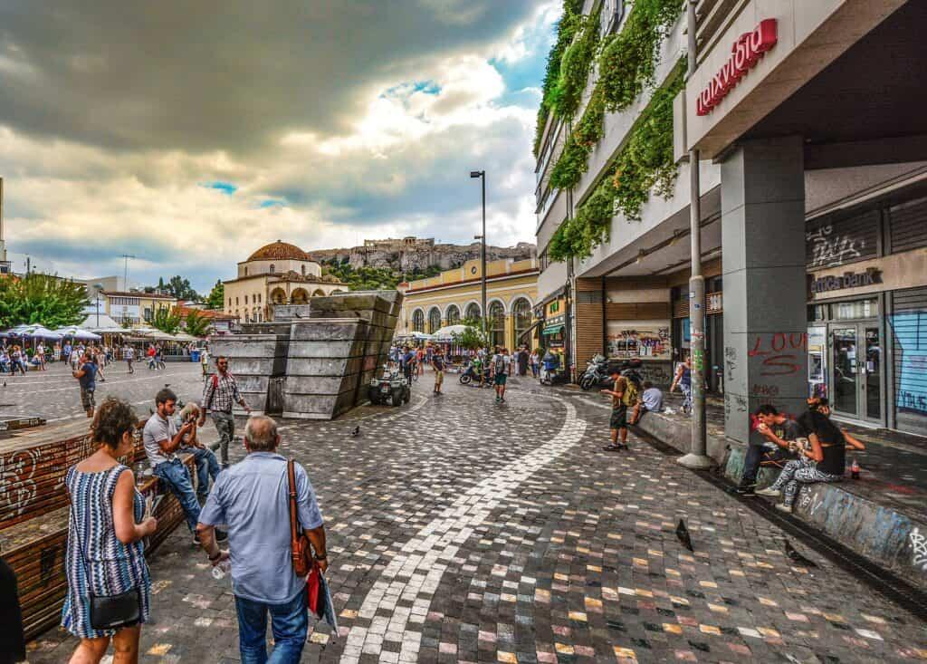 plaka den gamle bydel i athen i grækenland storbyferie