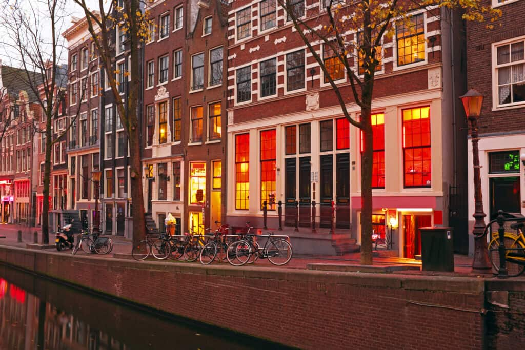 red light district i amsterdam i holland 1