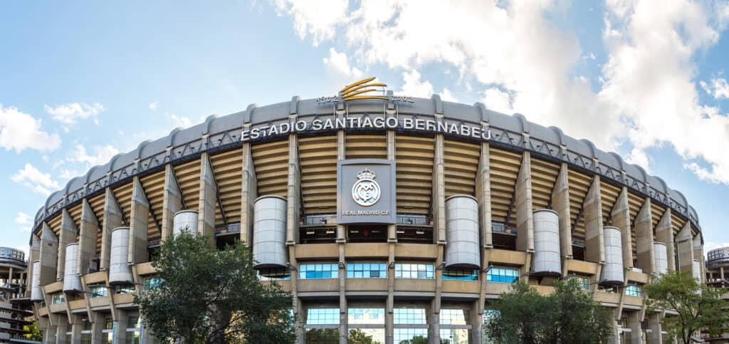 santiago bernabeu stadion er den berømte hjemmebane for fodboldholdet real madrid fodbold