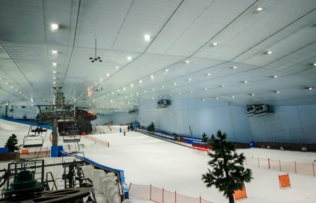 ski dubai indendørs skibakker i dubai