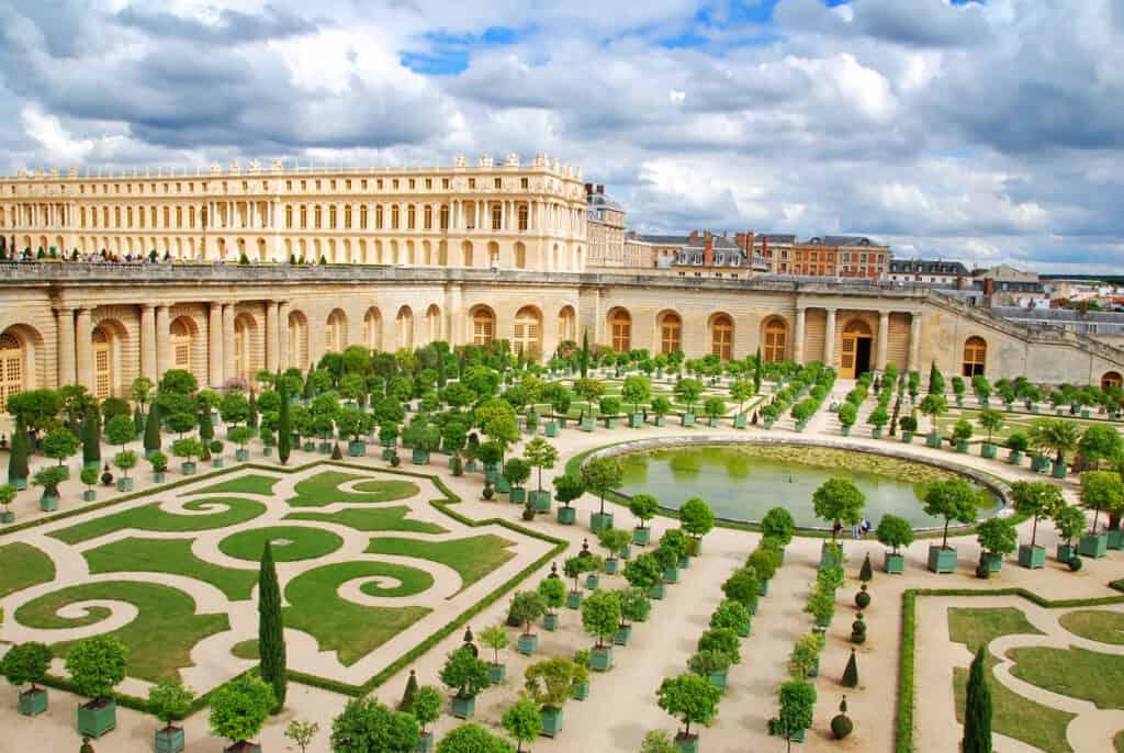 versailles slottet i paris om sommeren